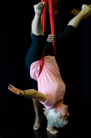 354by535upsidedownladyDance-in-Time-10Photos-provided-courtesy-of-Dance-in-Devon,-photographer-Kevin-Clifford